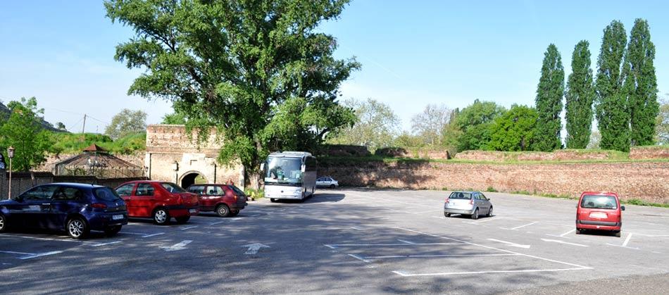 2015-05-01-parking-zoran-rajic